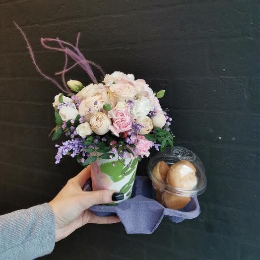 Кофе с собой 💕: букеты цветов на заказ Flowwow