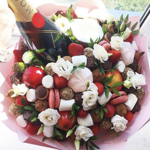 Сладкий букет «Абрау»: букеты цветов на заказ Flowwow