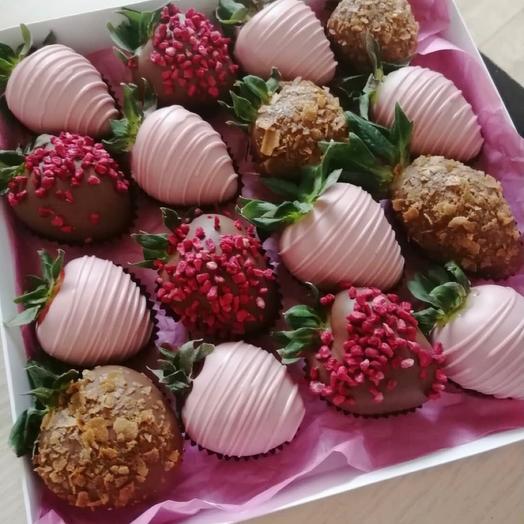 Набор клубники в шоколаде «Розовые мечты»
