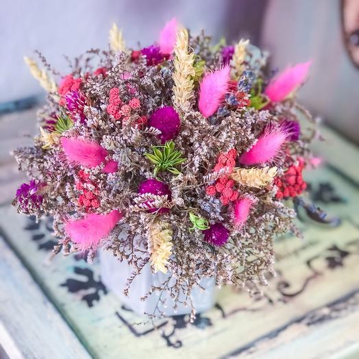 Горшочек с сухоцветами