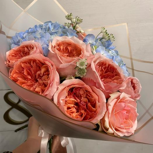 Букет с гортензией и премиум розами L