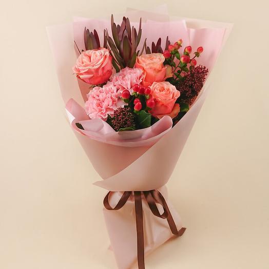 Букет с пионовидными розами и розовыми гвоздиками (109)