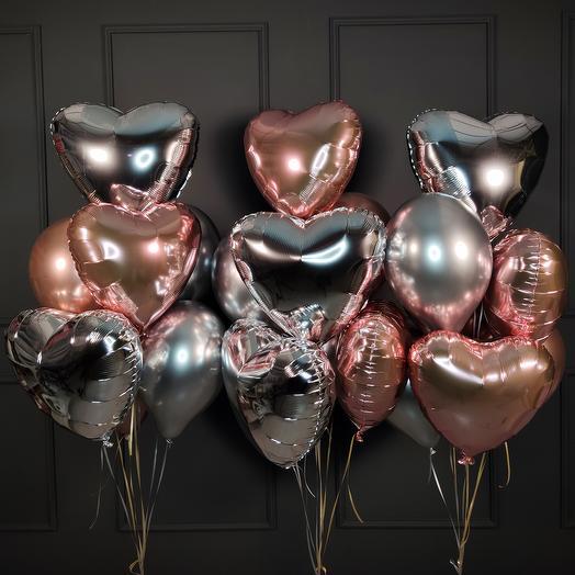 Композиция из серебряных и розовое золото шаров и сердец