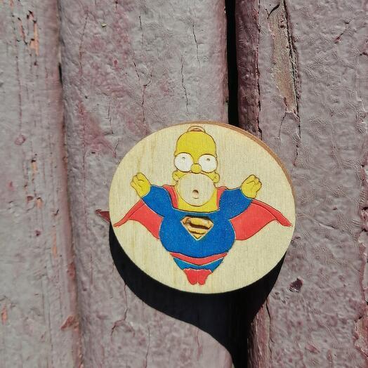 Деревянный значок Гомер супермен