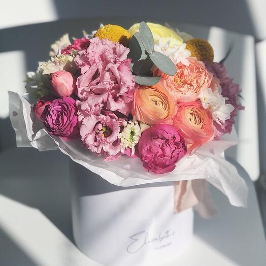Сборная коробка с цветами