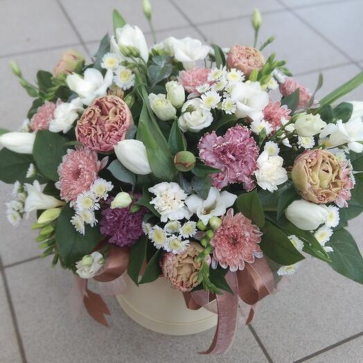 Цветы в коробке Виолетта 💐