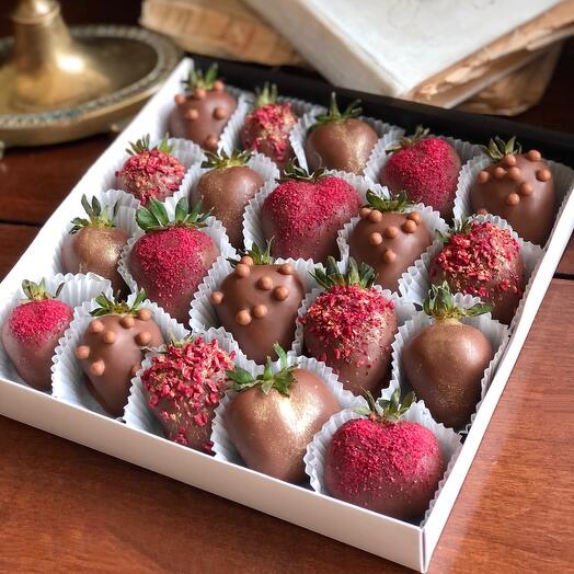 Клубника в шоколаде Charm (20-25 ягод)