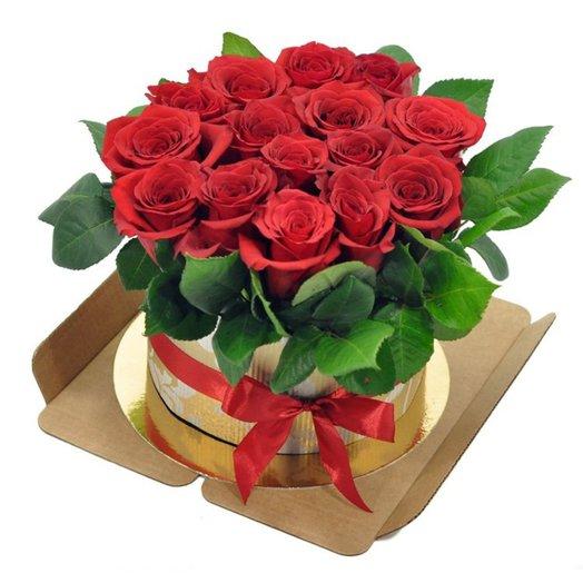Торт из 15 красных роз