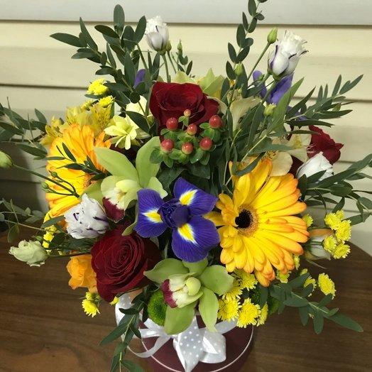 Композиция в шляпной коробке в тёплых тонах: букеты цветов на заказ Flowwow
