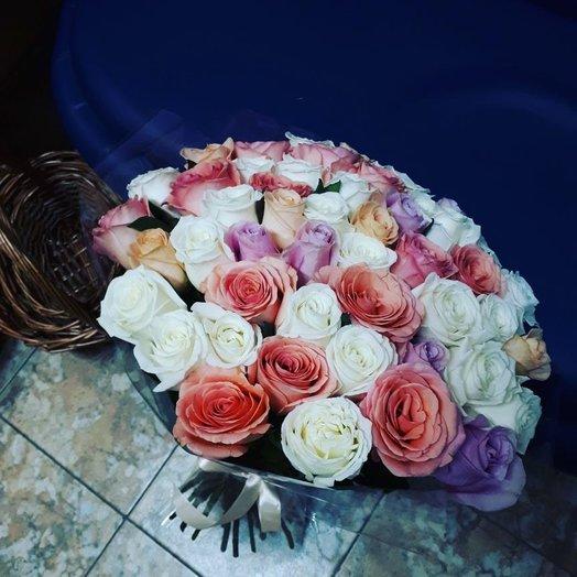 Нежный микс из 51 розы: букеты цветов на заказ Flowwow