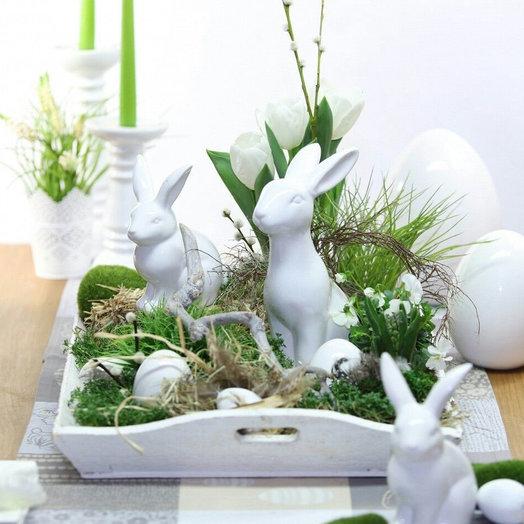 Композиция «Пасхальные кролики»: букеты цветов на заказ Flowwow