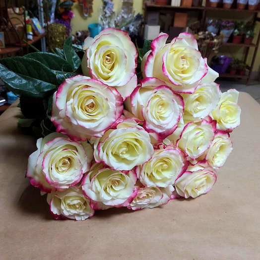 Букет из 15 премиум-роз Sweetness: букеты цветов на заказ Flowwow