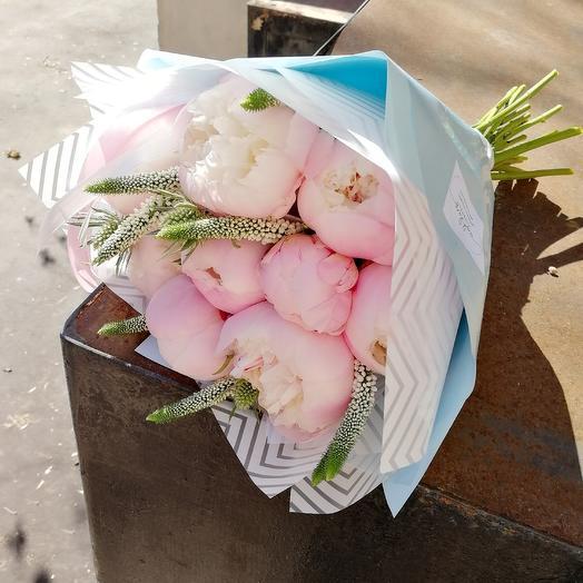 Пухлые пионы: букеты цветов на заказ Flowwow