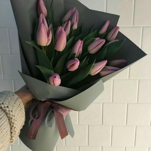 17 тюльпанов: букеты цветов на заказ Flowwow
