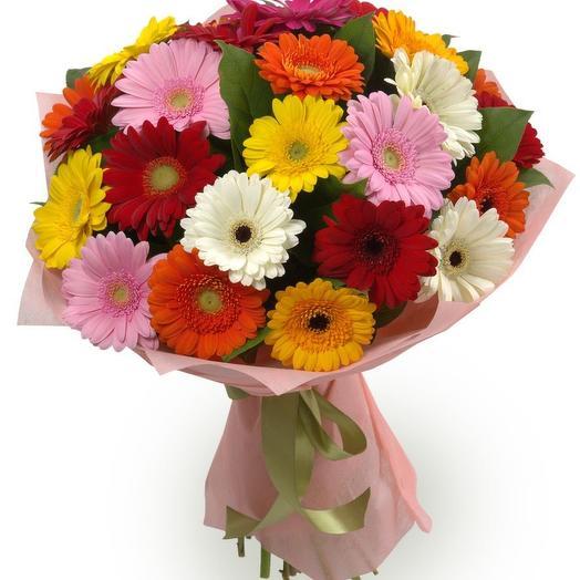 Букет из 25 разноцветных гербер: букеты цветов на заказ Flowwow