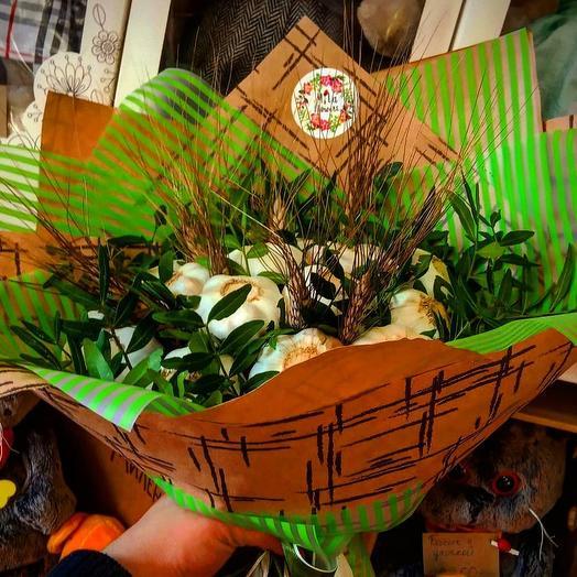 Мужской букет с чесноком: букеты цветов на заказ Flowwow