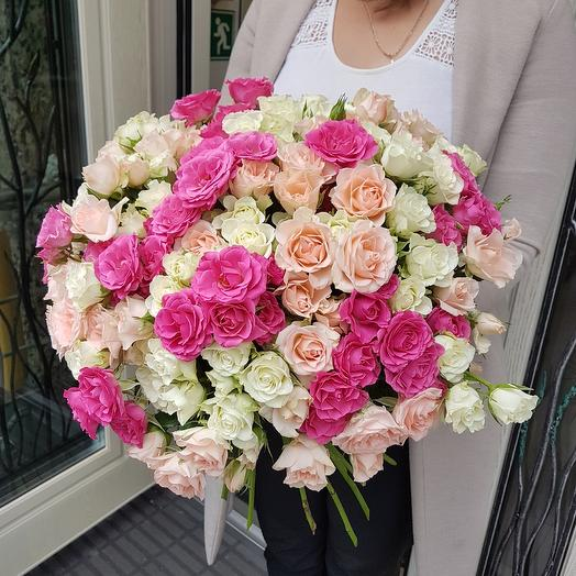 Крутой микс из кустовых роз: букеты цветов на заказ Flowwow