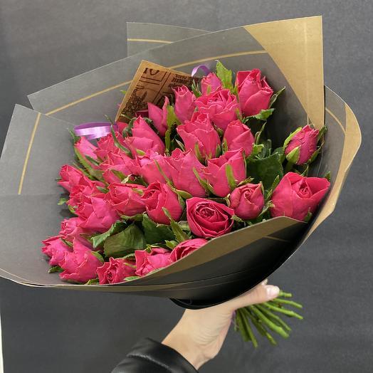 31 малиновая Роза: букеты цветов на заказ Flowwow