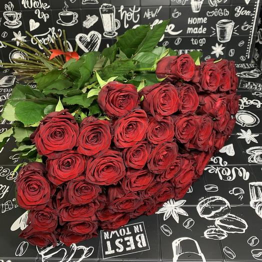 Букет из 51 красной розы 70 см: букеты цветов на заказ Flowwow