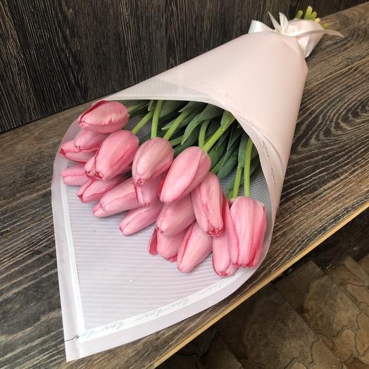 19 розовых Тюльпанов: букеты цветов на заказ Flowwow