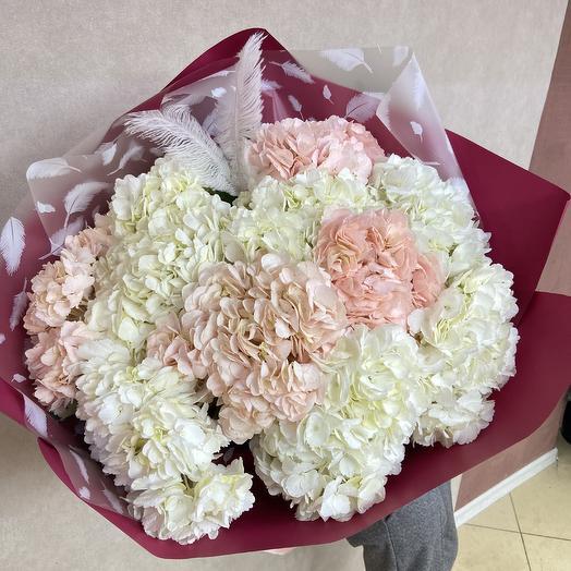 Огромный букет гортензий для любимой: букеты цветов на заказ Flowwow