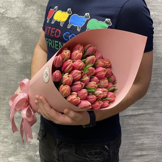 35 пионовидных тюльпанов в крафтовом кульке