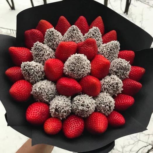 Букет из клубники в шоколаде «Цвет»