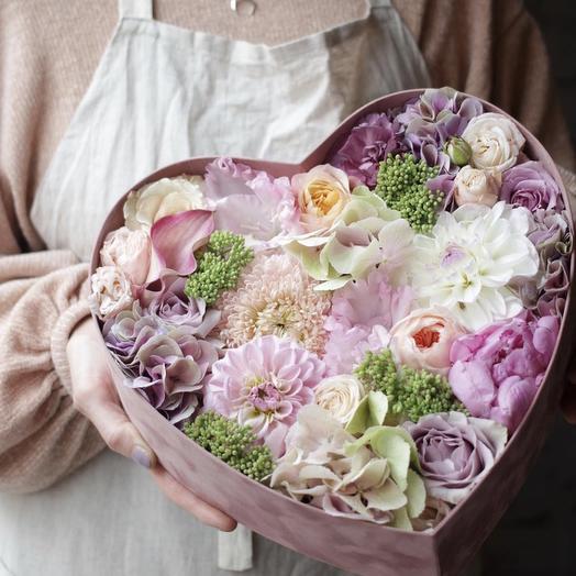 """Живые цветы в коробке """"Купава"""""""
