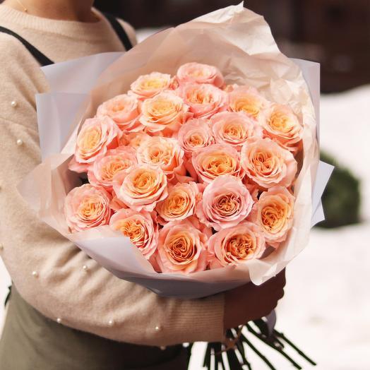 25 шикарных пионовидных роз