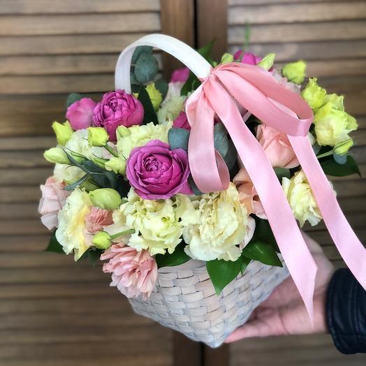 Корзина с цветами для Мамы