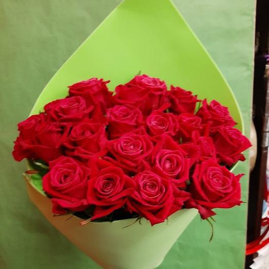 Букет из роз-Малинка в саду