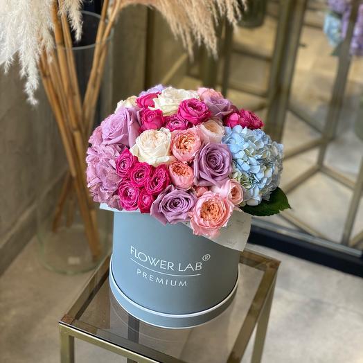Цветы в коробке Радость