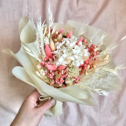 """Букет из сухоцветов и стабилизированных цветов """"Cream rose"""""""