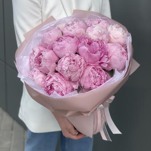 Букет Розовое лето из 15 пионов