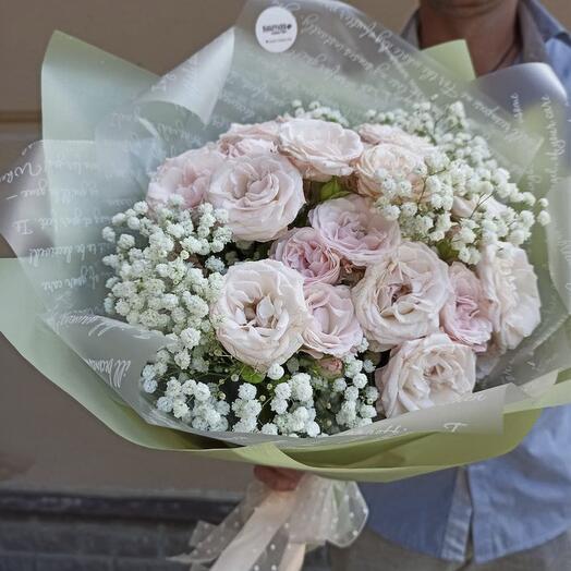 Букет Кустовых Роз и Гипсофилы