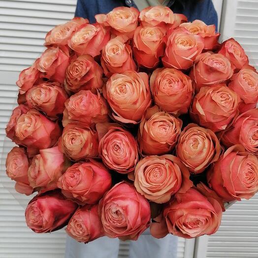 35 пионовидных роз для неё ️