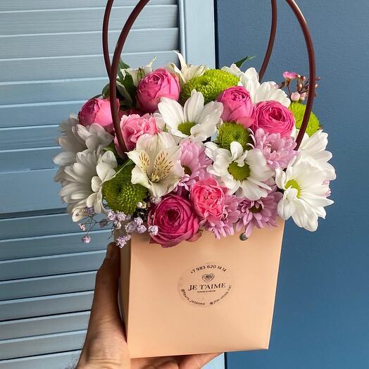 Сумочка с пионовидной розой