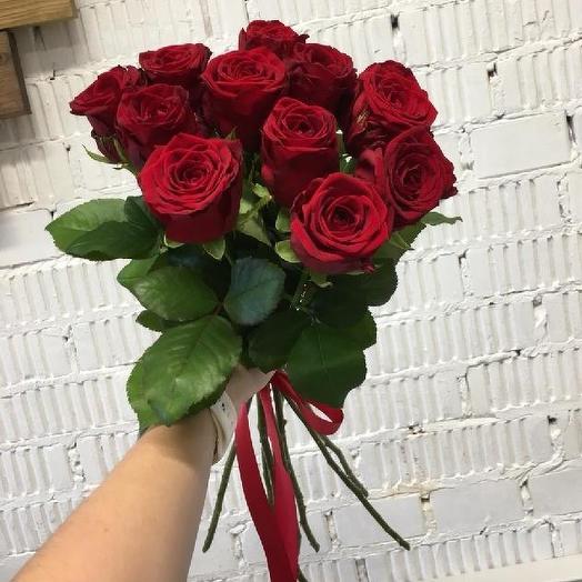 Букет из 11 красных кенийская роза: букеты цветов на заказ Flowwow