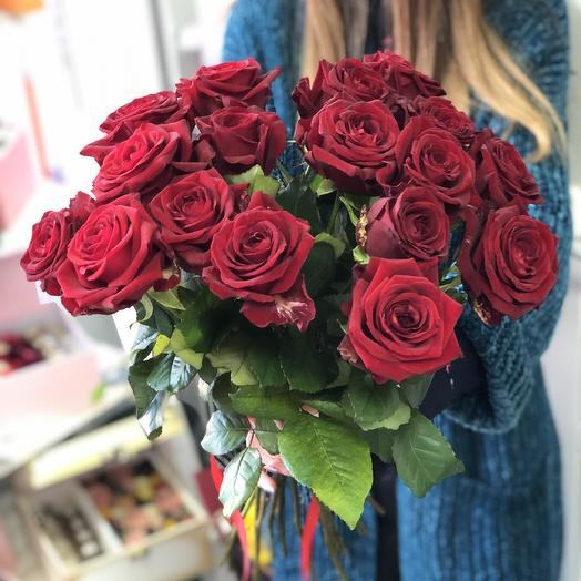 Букет из 17 красных роз 50 см: букеты цветов на заказ Flowwow