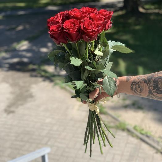 Букет из 11 красных голландских роз 80 см: букеты цветов на заказ Flowwow