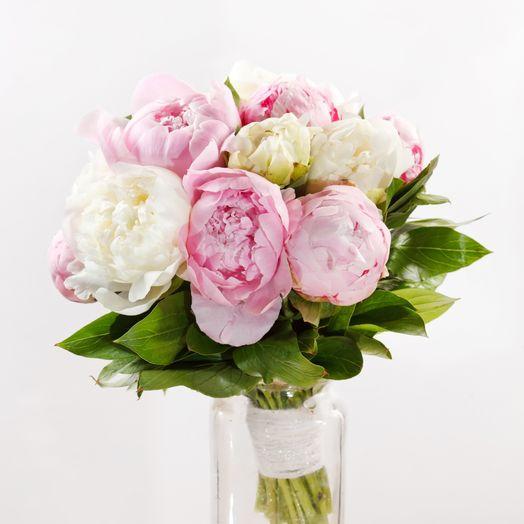 Букет из 9 разноцветных пионов: букеты цветов на заказ Flowwow