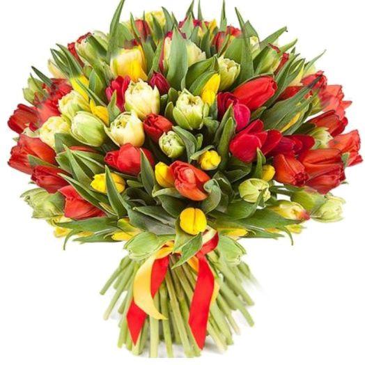 Букет из 151 разноцветного тюльпана: букеты цветов на заказ Flowwow