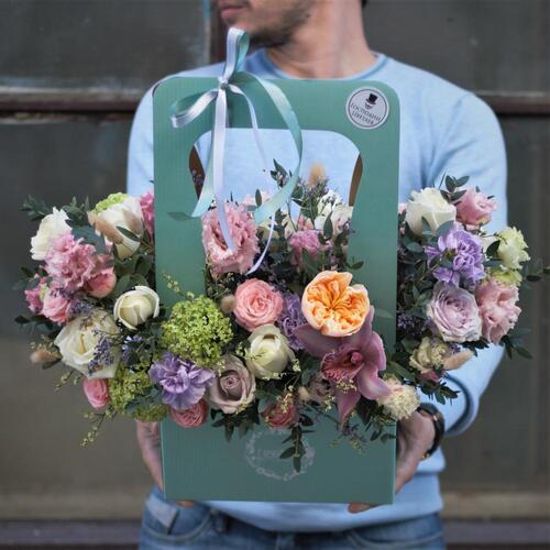 Доставка цветов в Саратове